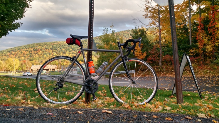 Final form! New wheelset and Hudson Valley Fall foliage